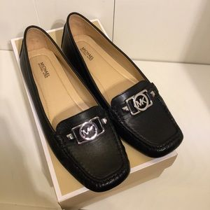Michael Kors moccasins in black, NEW, size 9